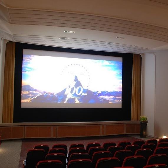 Filmvorstellung im Kino Roxy